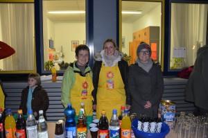 Dank engagierter Eltern gab es nach dem Zug noch kalte und warme Getränke auf dem Schulhof. VIELEN DANK!