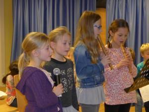 Erst- und Viertklässler gemeinsam in einem Quartett.